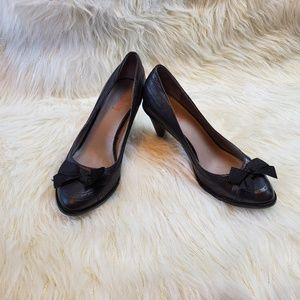 Levity Pump Heels Black Leather Sarina 7.5